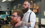 Quando il parrucchiere diventa il tuo consulente finanziario