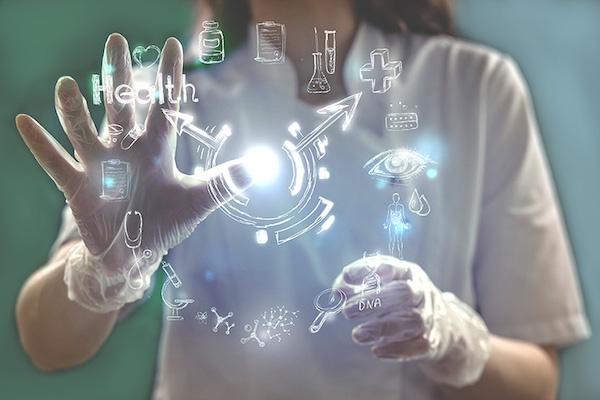 Necessario usare il digitale per ridurre i costi della sanita'